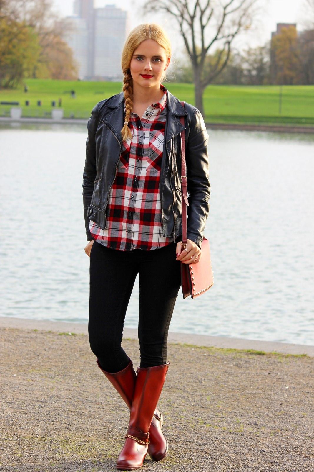 Red Boots, Biker Lederjacke, Holzfällerhemd 3