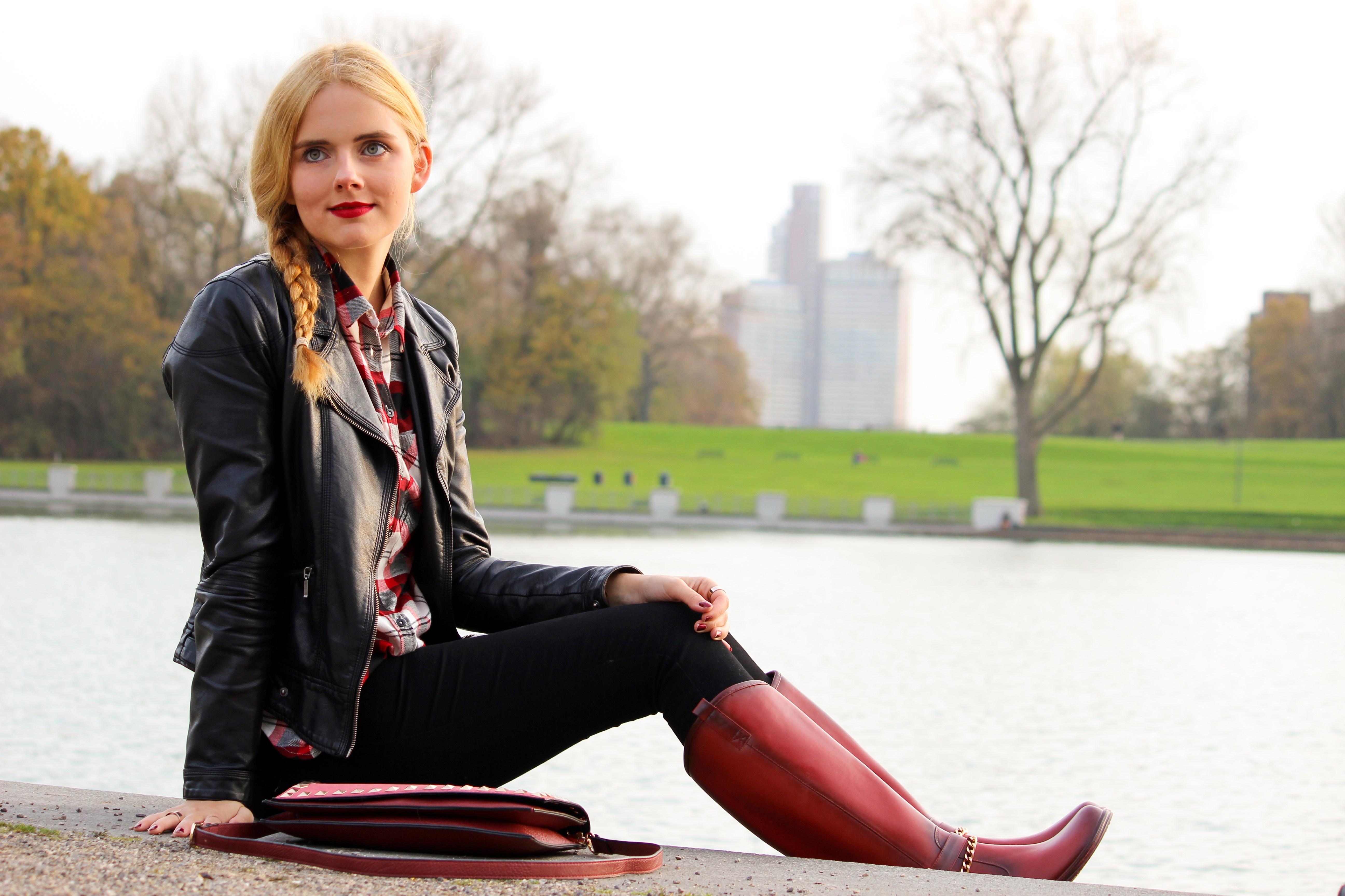Red Boots, Biker Lederjacke, Holzfällerhemd 8