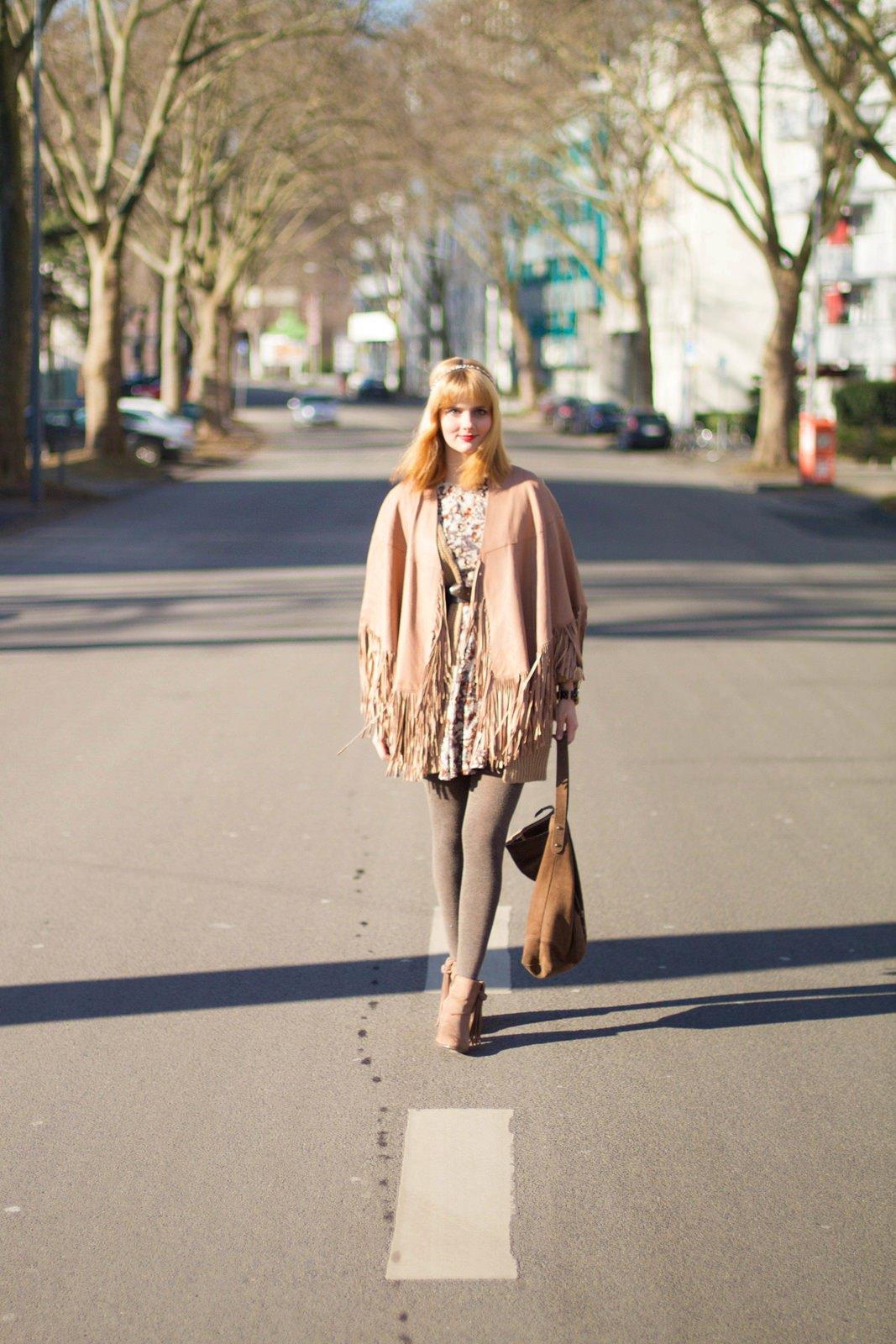 7 days 7 ways - Layering Zara Cape Stiefel 1