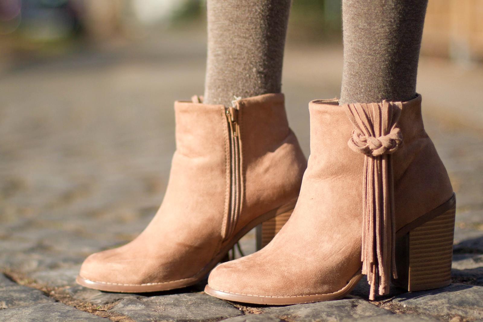 7 days 7 ways - Layering Zara Cape Stiefel 7