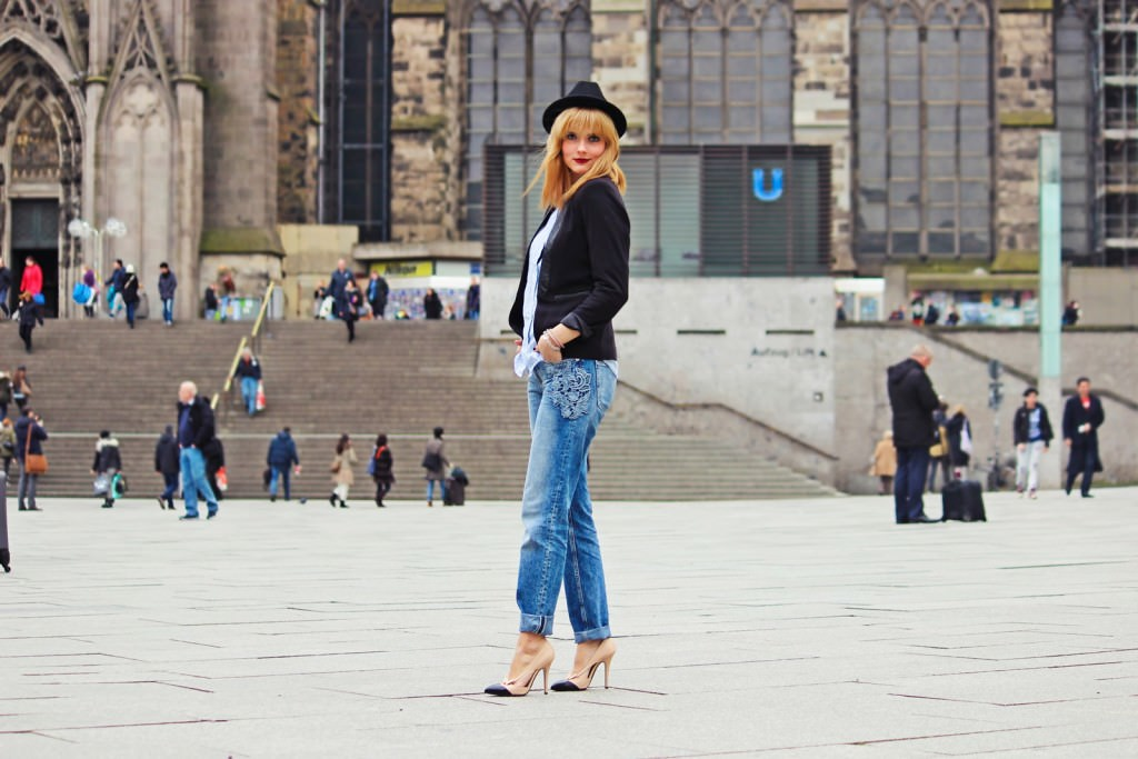 Des Belles Choses Outfit - 10 things why it's great to be a woman Boyfriend Style with pumps 4
