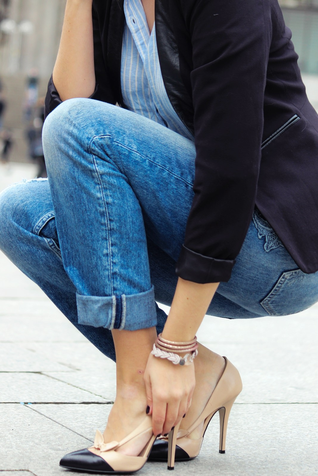 Des Belles Choses Outfit - 10 things why it's great to be a woman Boyfriend Style with pumps 7