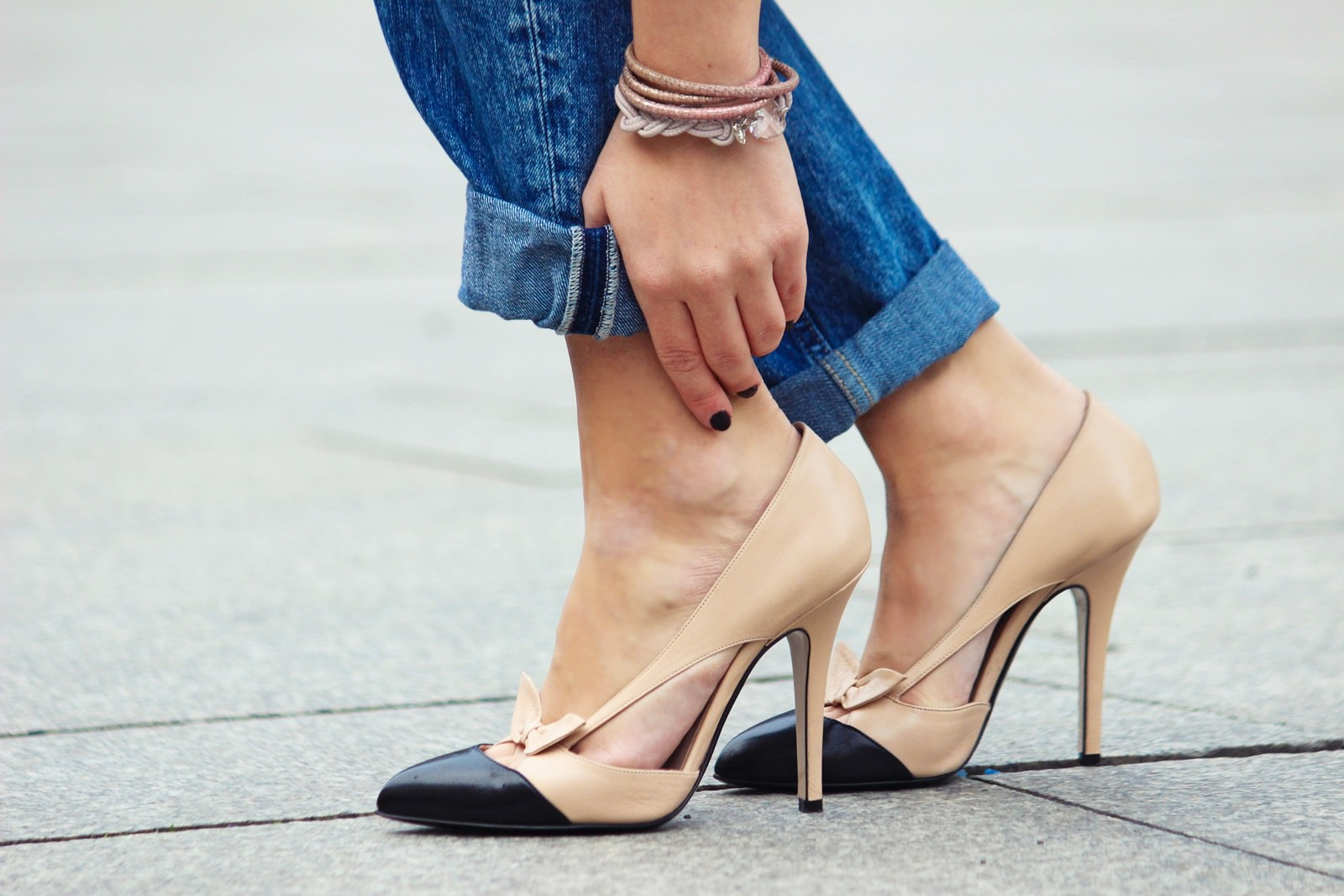 Des Belles Choses Outfit - 10 things why it's great to be a woman Boyfriend Style with pumps 8