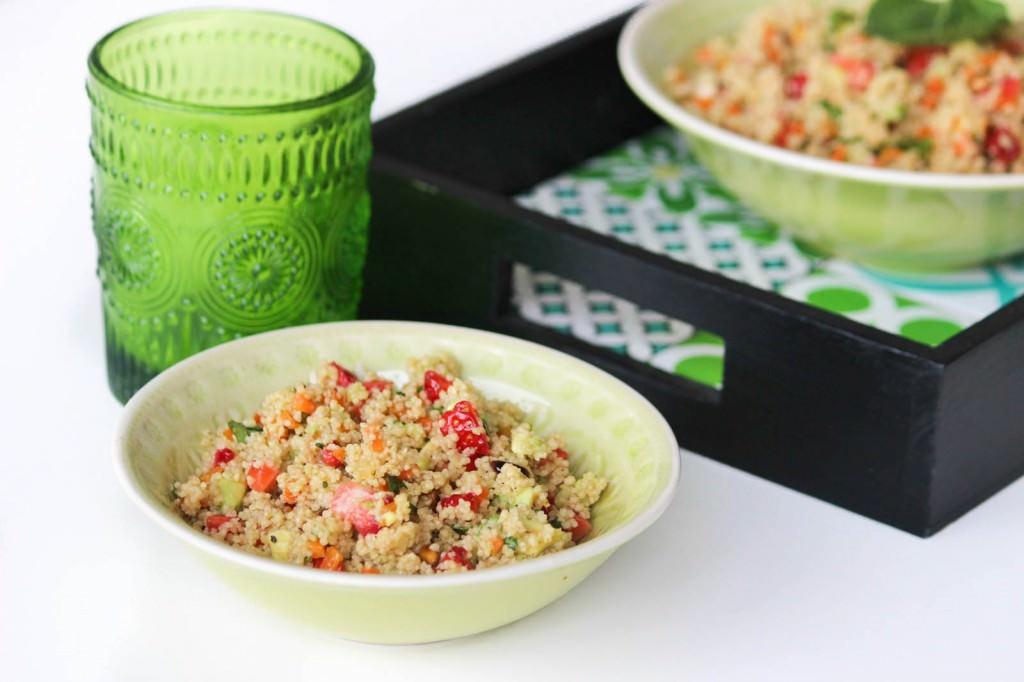 Des Belles Choses Rezept Couscous Salat mit Erdbeeren und Avocado 1