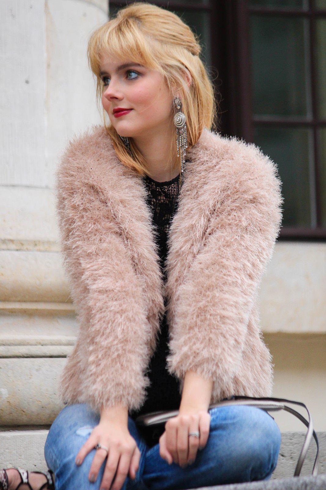 Des Belles Choses - Spot on snake print - Boyfriendjeans, fluffy jacket 8