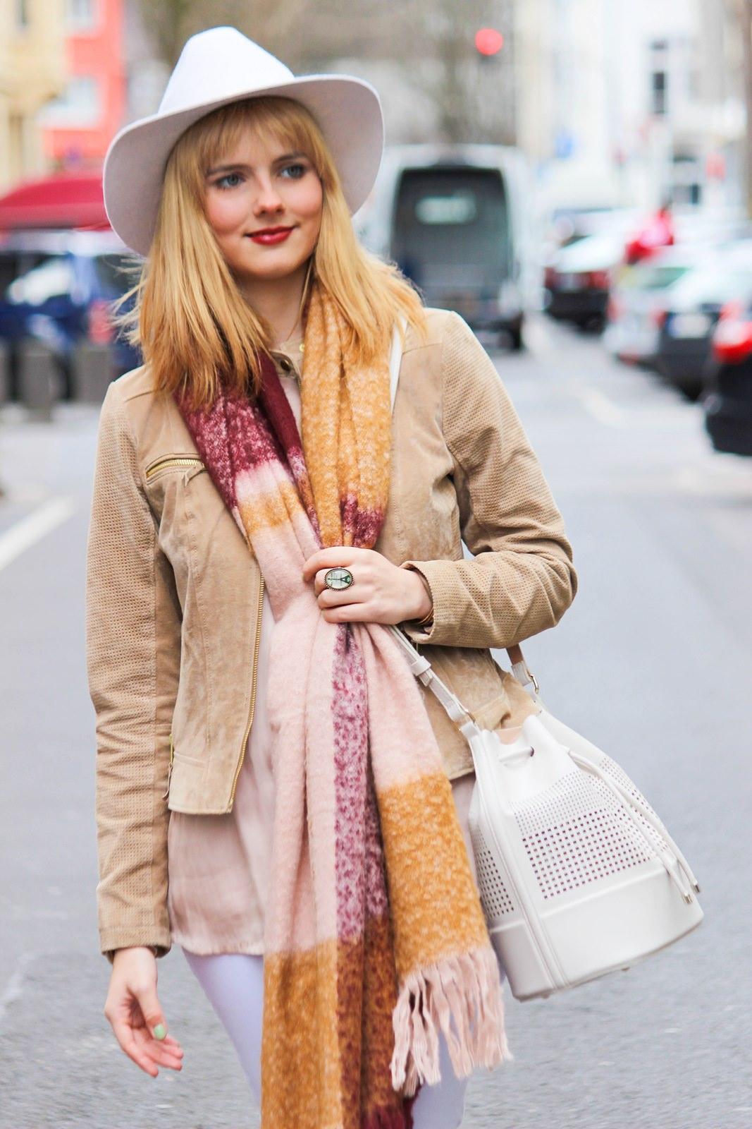 Des Belles Choses - Fashion Blog Cologne - Belgisches Viertel Outfit 6