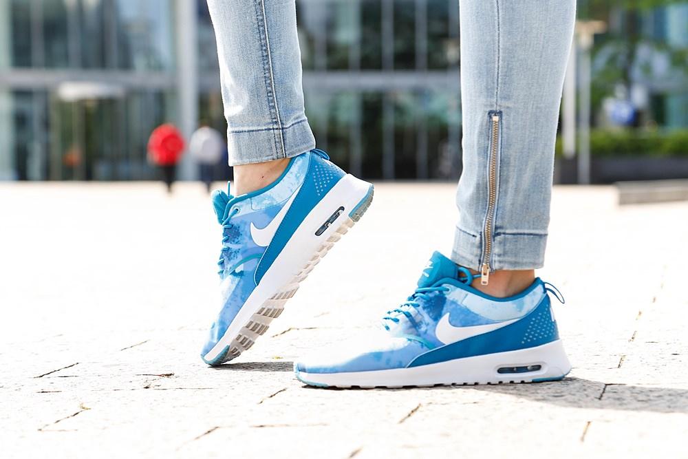 Nike Thea Hellblau