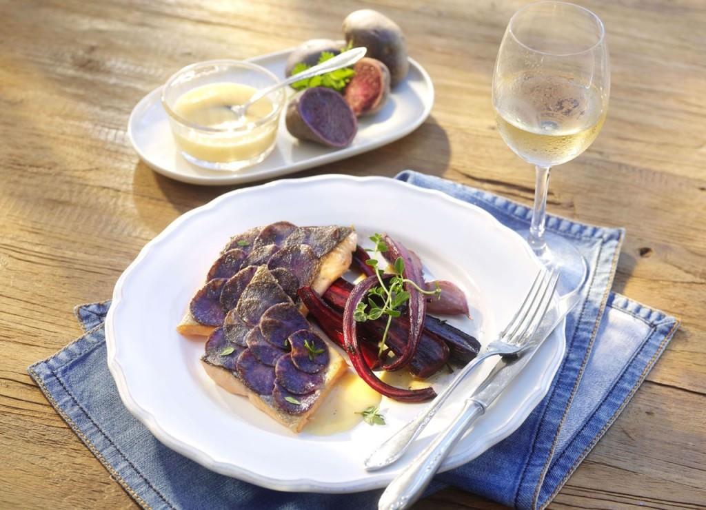 desbelleschoses-takko-demin-dinner-hauptspeise-forelle-mit-blauen -kartoffelschuppen