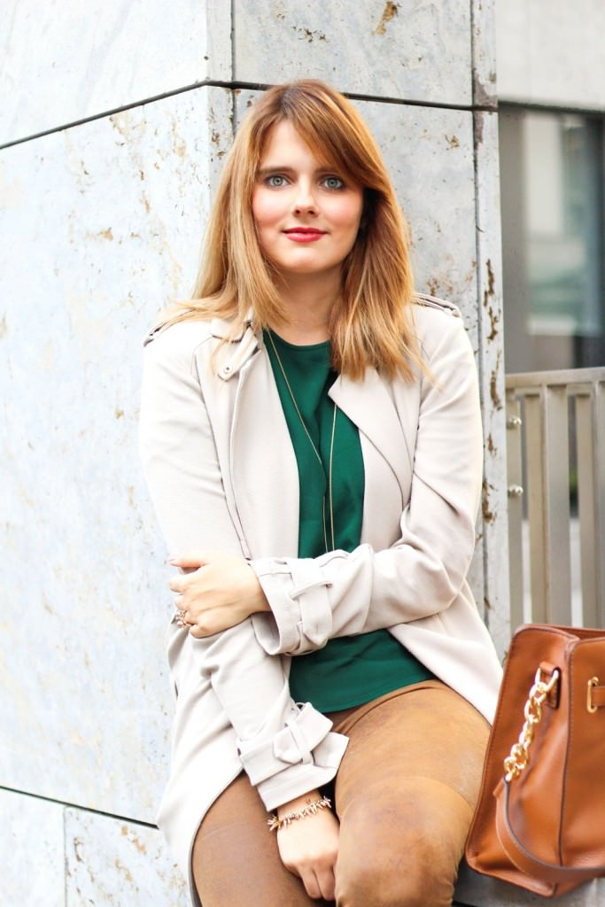 desbelleschoses-outfit-the-classic-trenchcoat-suede-leggings-michael-kors-hamilton-unterwegs-in-berlin 5