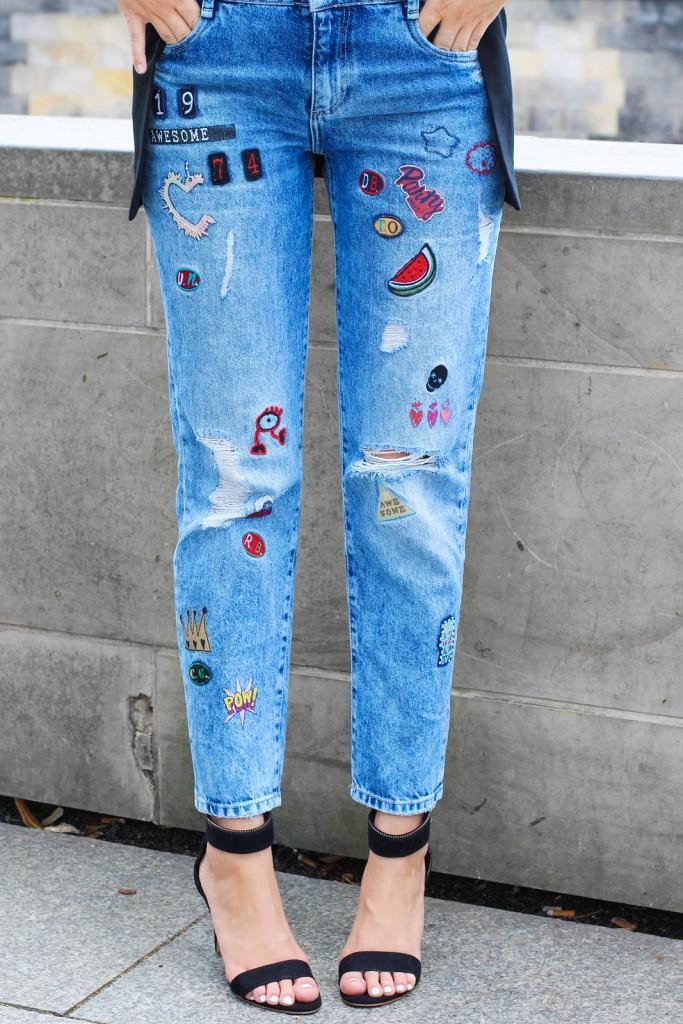 desbelleschoses-outfit-zara-jeans-mit-patches-cos-shirt-mit-cut-out-high-heels 5