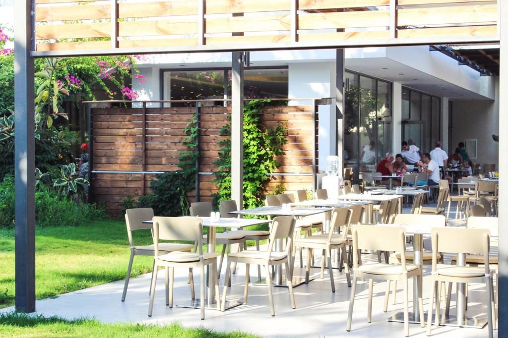 desbelleschoses-hotel-review-kos-caravia-beach-essen 1