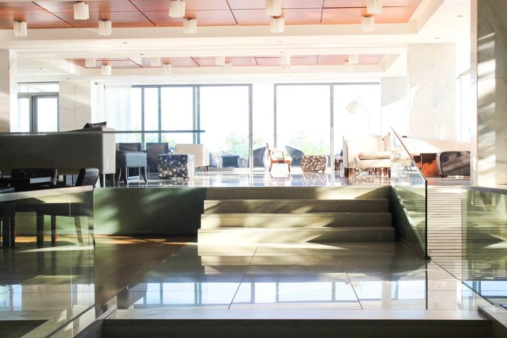 desbelleschoses-hotel-review-kos-caravia-beach -lobby 1