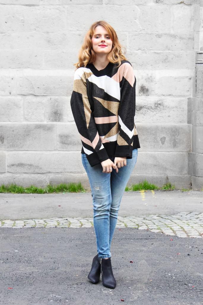 desbelleschoses-outfit-70er-jahre-trend-im-herbst-brauner-suede-trenchcoat 2