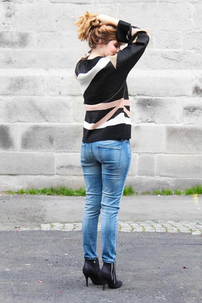 desbelleschoses-outfit-70er-jahre-trend-im-herbst-brauner-suede-trenchcoat 7