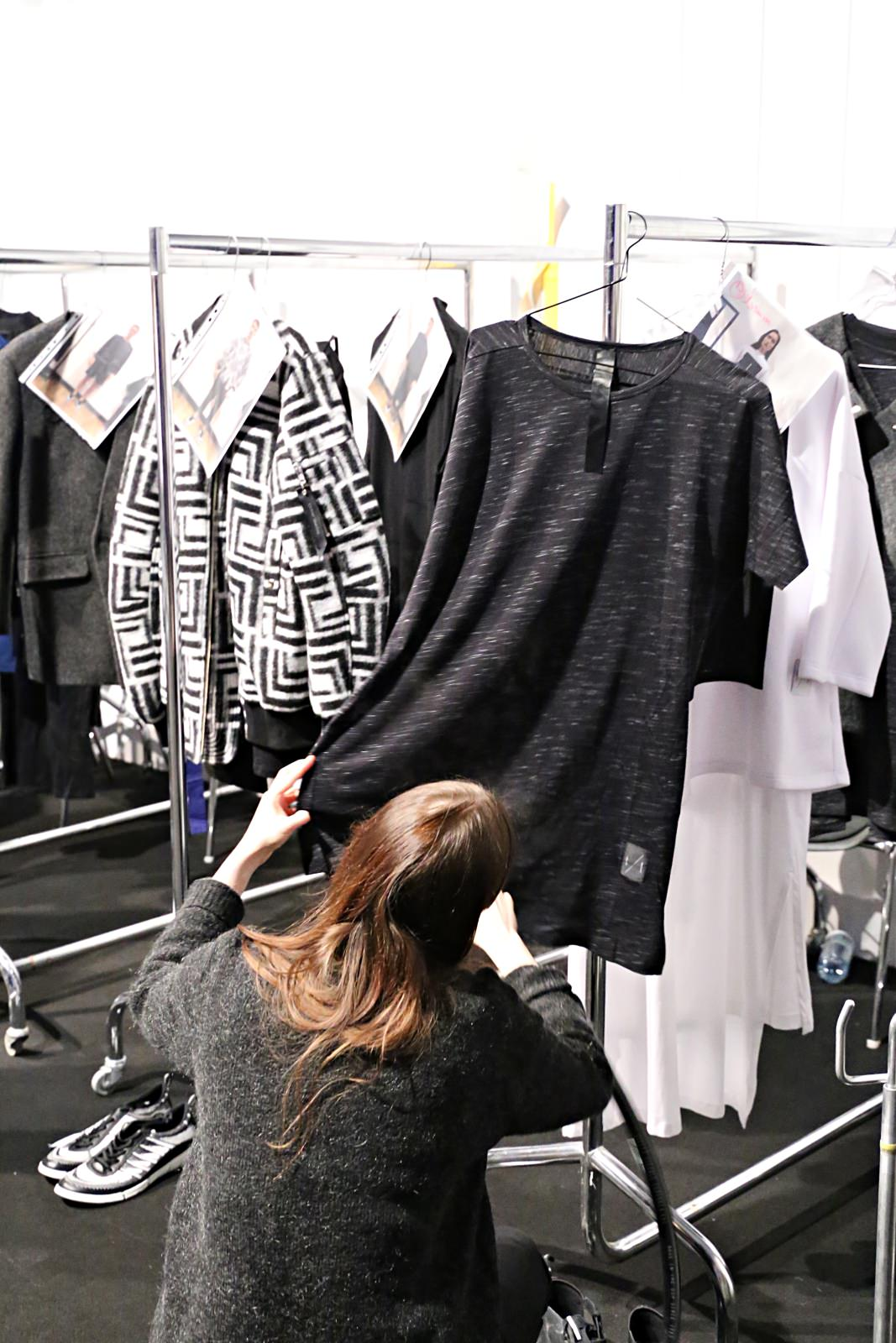 desbelleschoses-fashion-blog-deutschland-berlin-fashion-week-januar-2016-fashion-show-odeur-studios-backstage-bericht-fitting 5