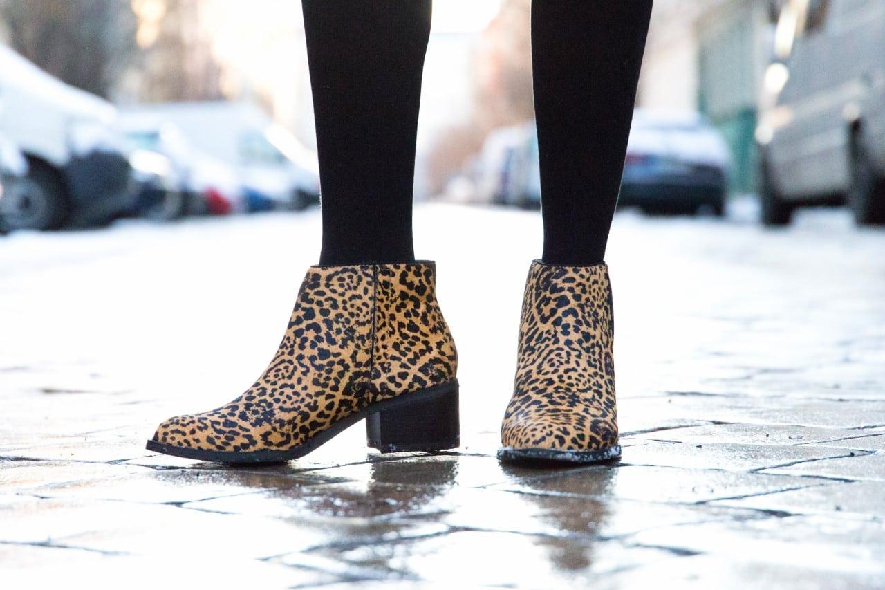 desbelleschoses-fashion-blog-köln-deutschland-berlin-fashion-week-januar-2016-streetstyle-tag-2-samtkleid-leo-boots 6