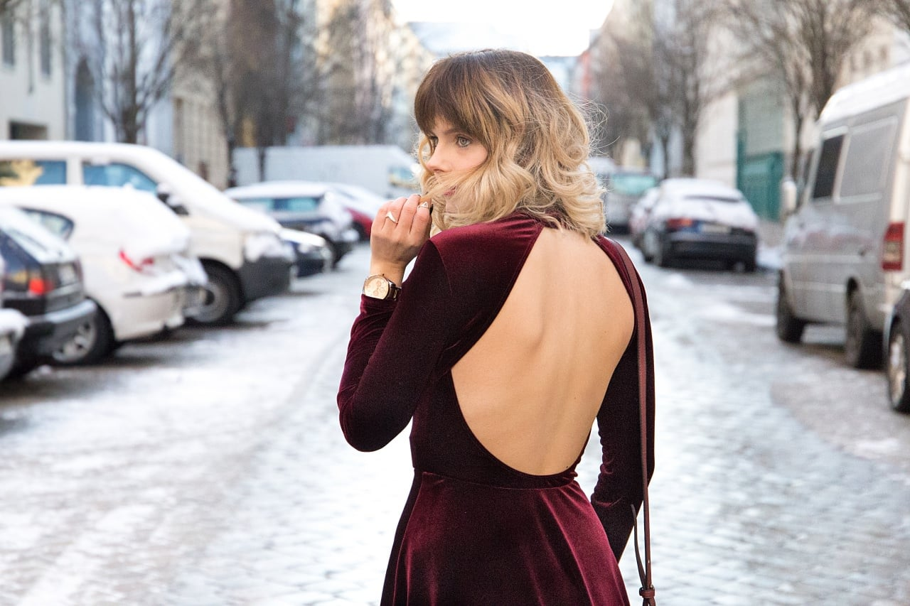 desbelleschoses-fashion-blog-köln-deutschland-berlin-fashion-week-januar-2016-streetstyle-tag-2-samtkleid-leo-boots 8