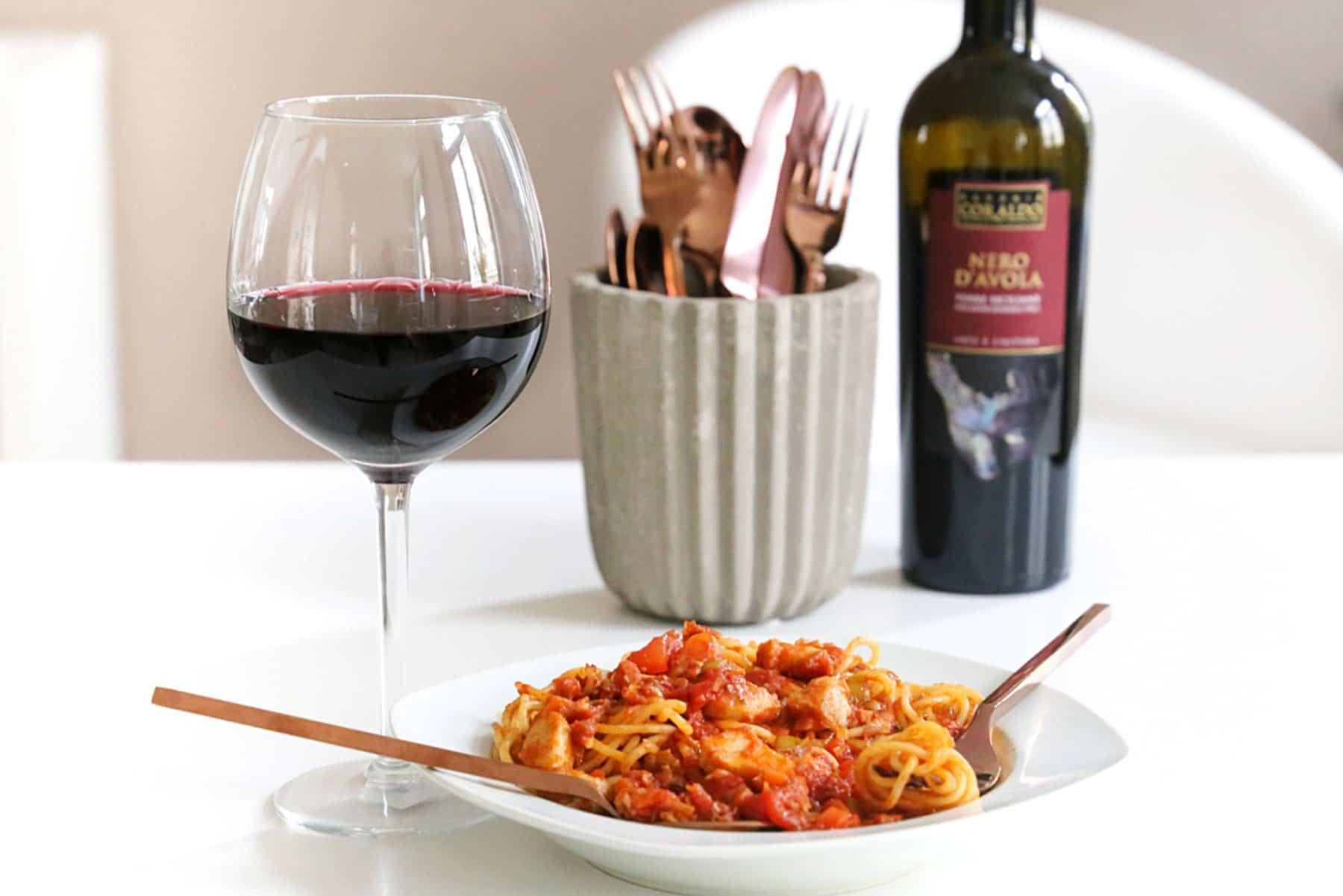 Rezept – Spaghetti Fisch-Bolognese mit einem trockenen Rotwein