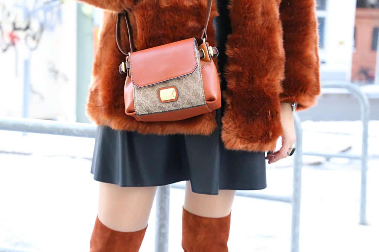 desbelleschoses-fashion-blog-köln-streetstyle-berlin-overknees-zara-fake-fur-jacke-leder-kleid-guess-handtasche 6