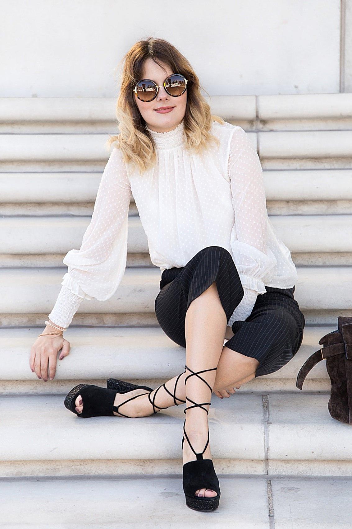 Schickes Outfit zum Ausgehen - Culottes und transparente Bluse
