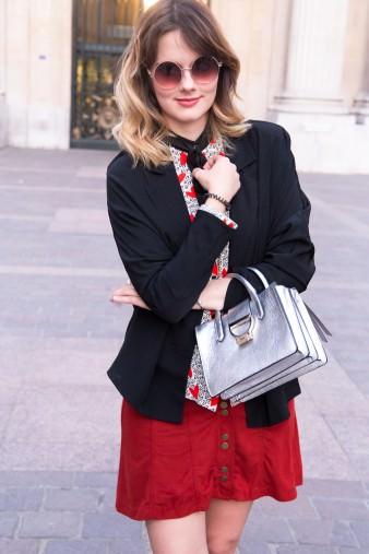des-belles-choses-fashion-blog-köln-suede-minirock-blazer-sling-pumps-peter-kaiser-silberne-handtasche 1
