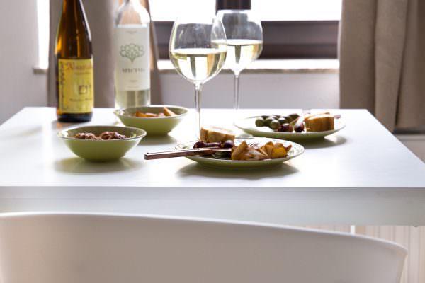 Tapas-Abend in den eigenen 4-Wänden mit Vinho Verde-Wein