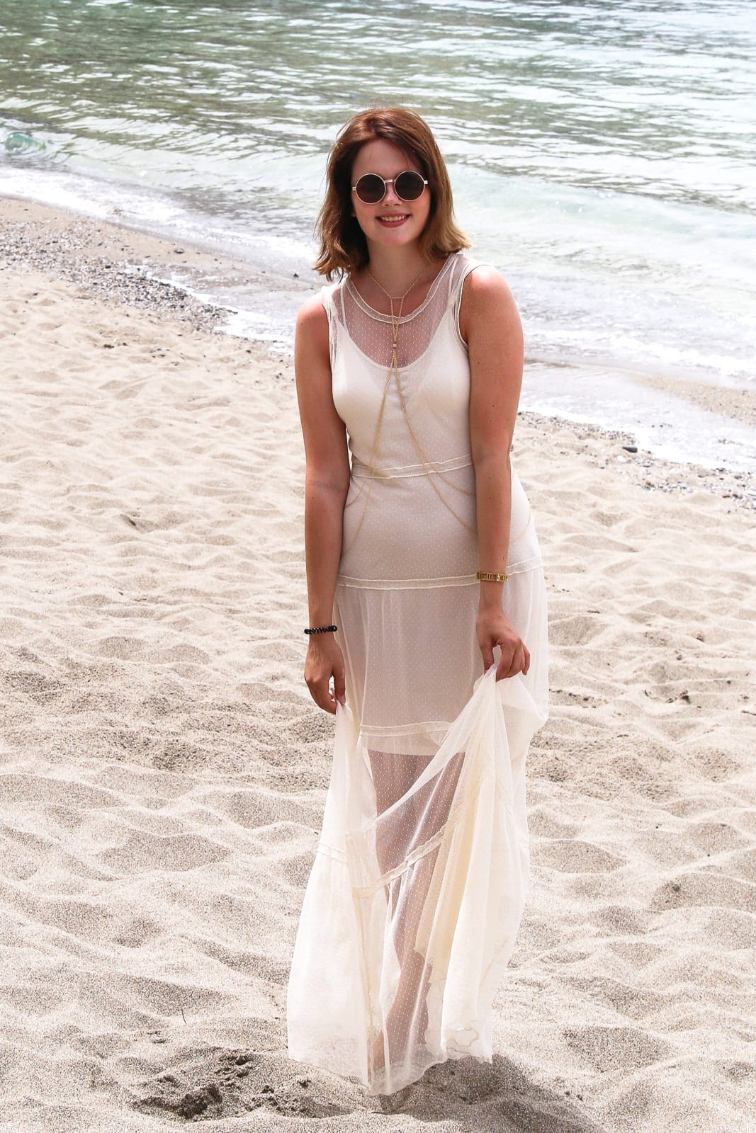 Der Hippie Strand auf Kreta: Guess Maxikleid & Body Chain in Matala