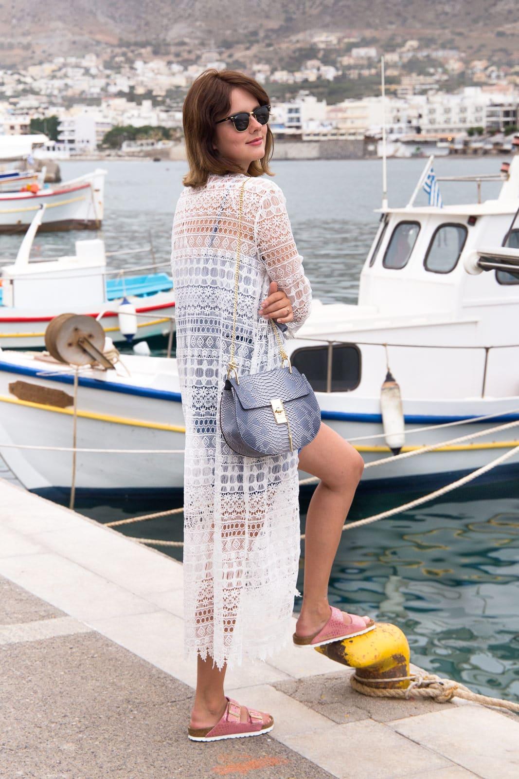 Outfit im Sommerurlaub: Jeansminirock mit Knopfleiste & Birkenstock Arizona