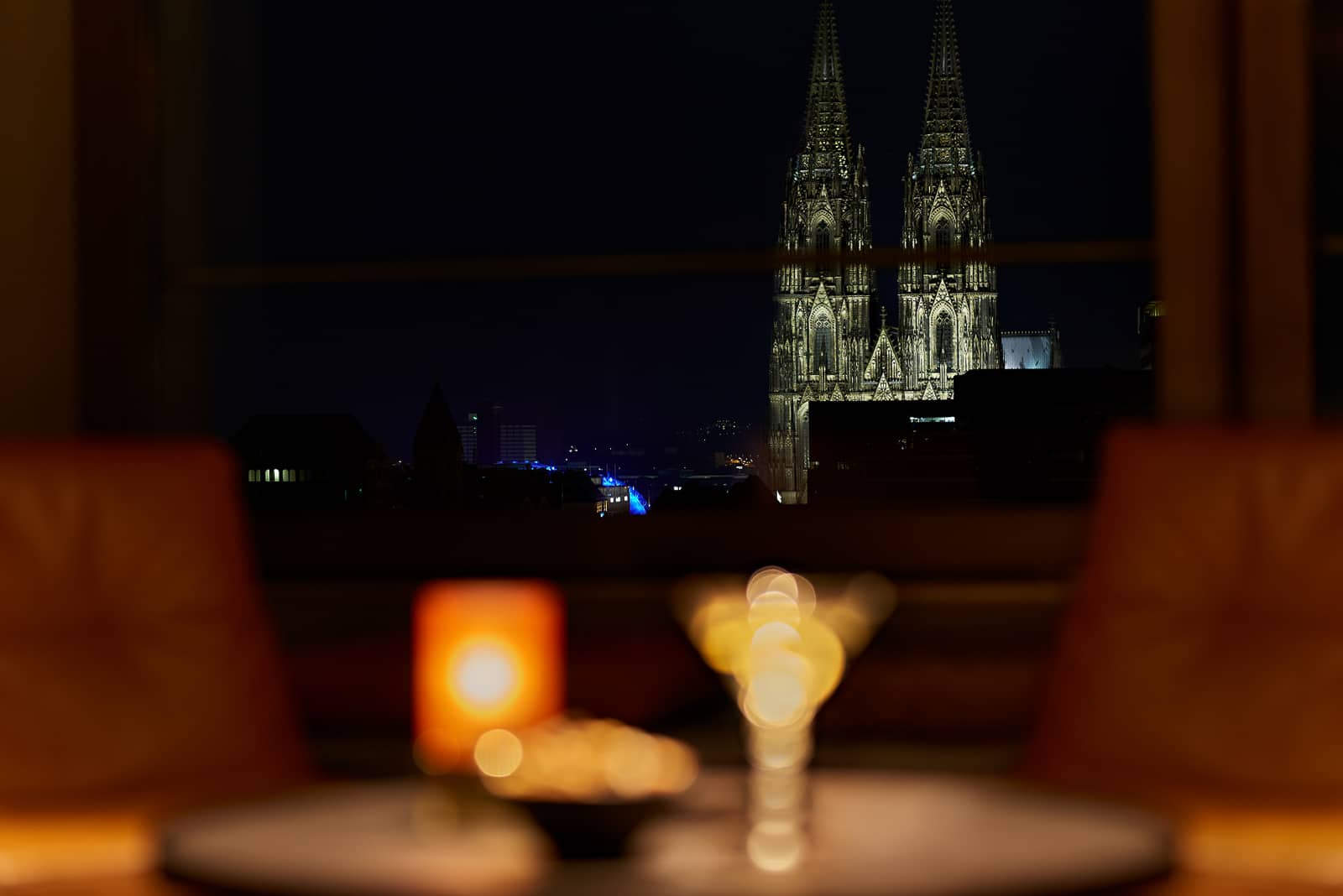 Bar mit Domblick – LAB12 Bar im Pullman