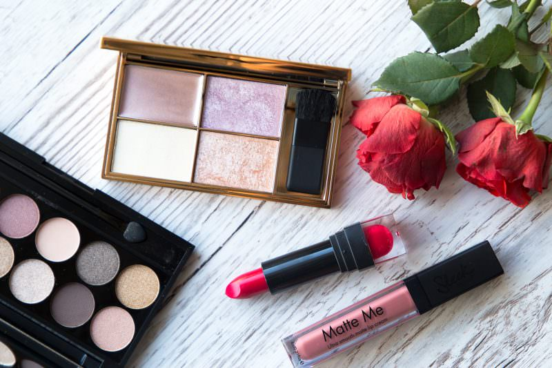 Review & Swatches: Sleek Highlighting Palette & Birthday Suit