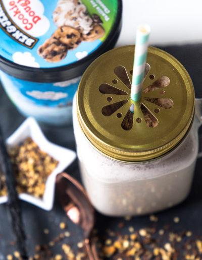 ben-and-jerrys-cookie-dough-milkshake-weihachtliches-rezept-mit-zimt-des-belles-choses-koeln-10