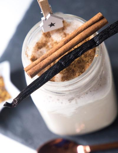 ben-and-jerrys-cookie-dough-milkshake-weihachtliches-rezept-mit-zimt-des-belles-choses-koeln-11