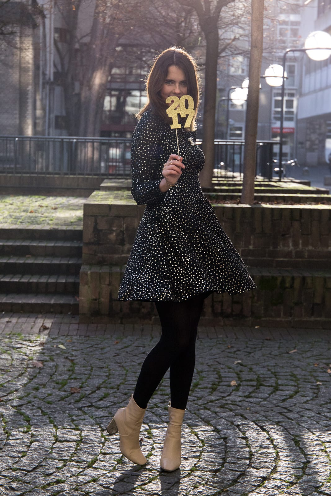 Mein Silvester Outfit 2016: &other Stories Glitzer Kleid