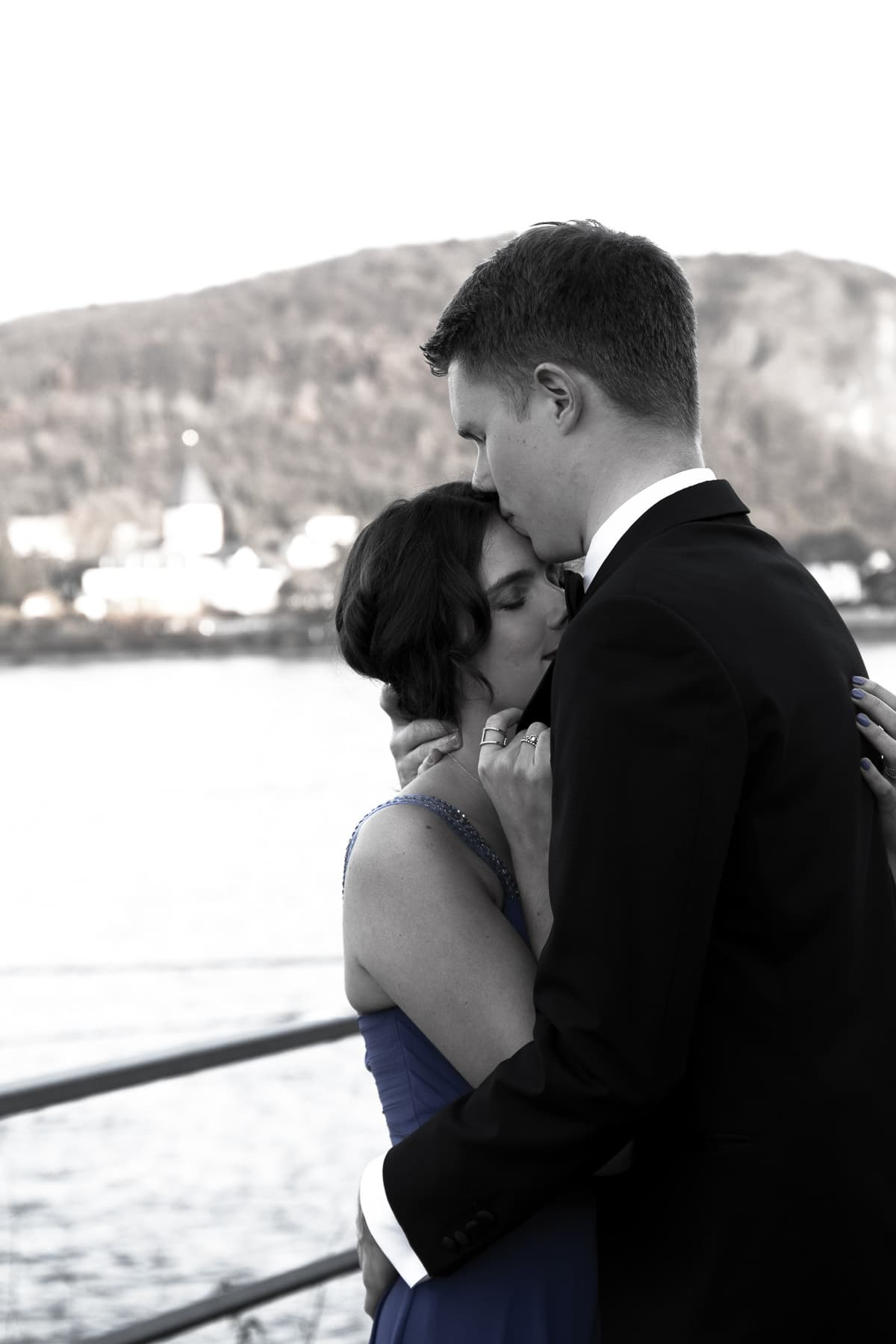 Couple Shooting: Das perfekte Balloutfit mit langem Abendkleid & Smoking - Abschlussball, Abiball, Paar