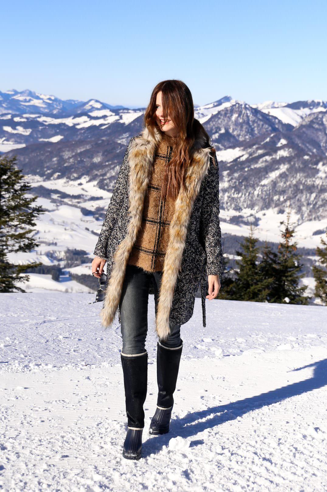 winter-outfit-in-den-tiroler-alpen-kaiserwinkl-hochkössen-warm-und-stylisch-mit-sorel-boots-fashion-blog-des-belles-choses 1