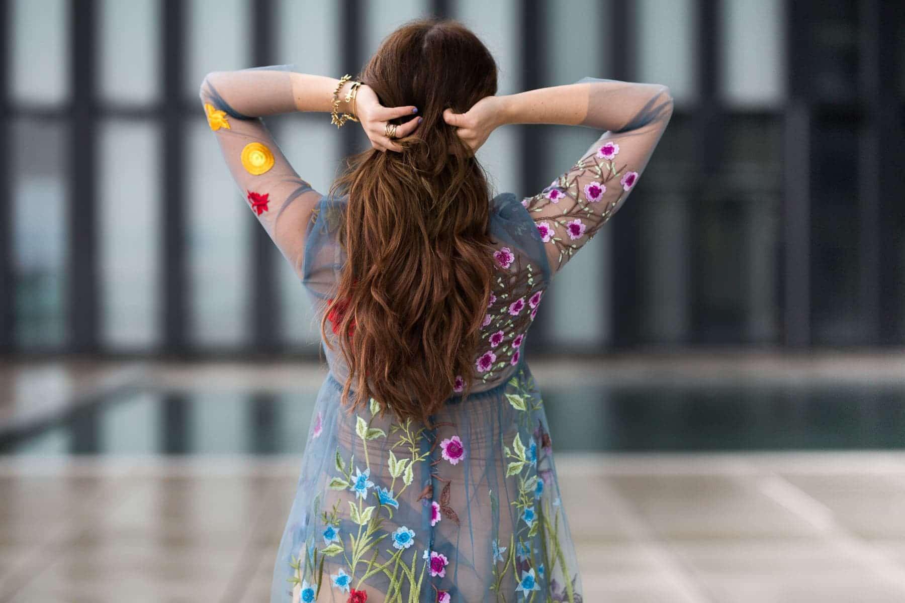 Mein Berlinale Look: Transparentes Kleid mit Blumenprint & Chloé Faye