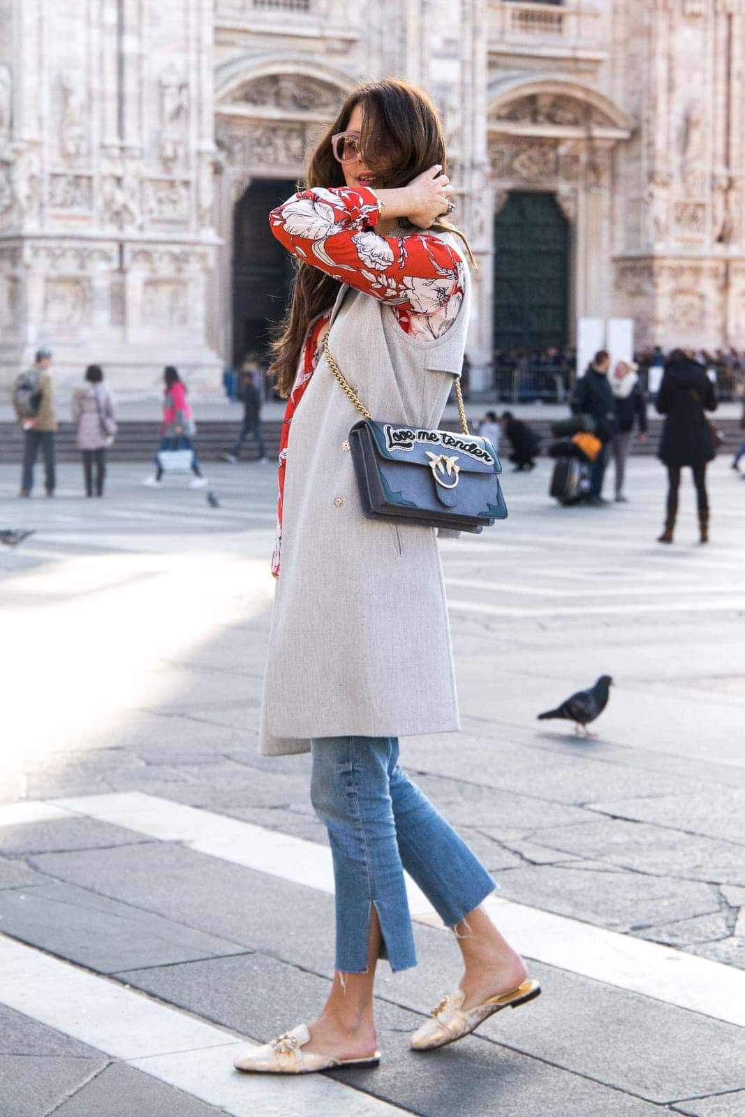 Milano Duomo – Cropped Jeans & Dolce & Gabbana Slippers