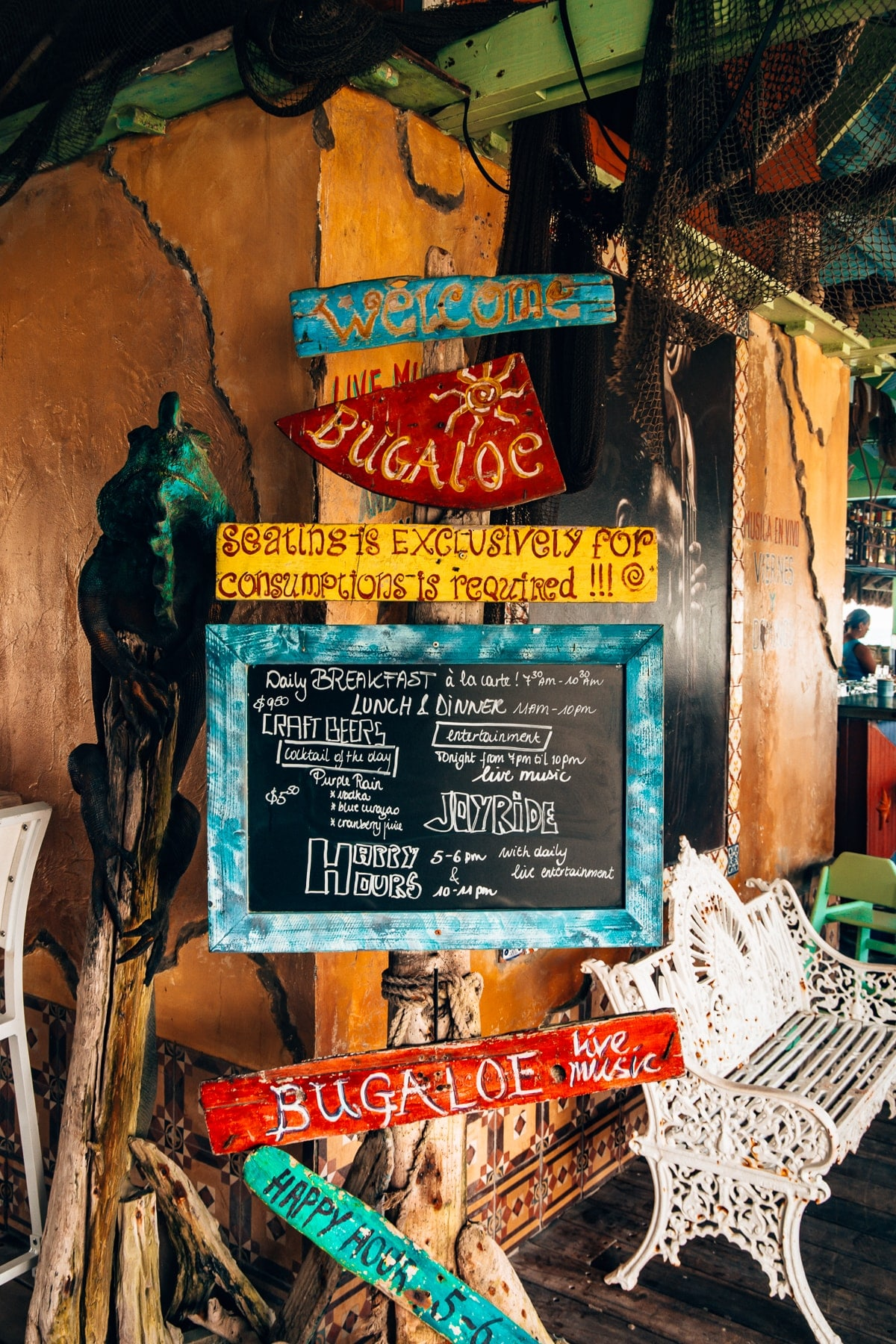 Top Food Spots auf Aruba: Bugaloe Beach Bar