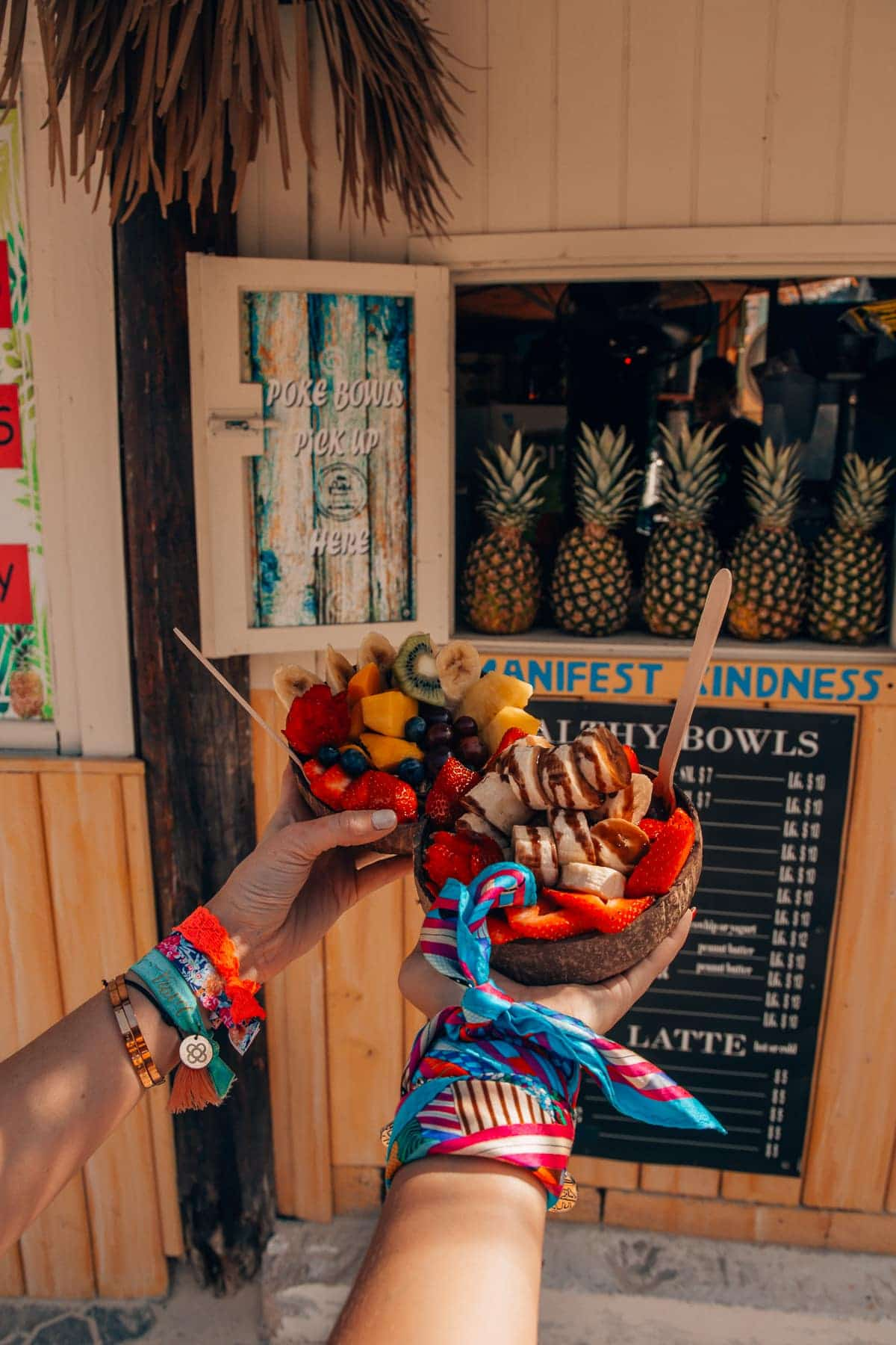 Top Food Spots auf Aruba: Die beste Acai Bowl bei Eduardo's Beach Shack  Palm Beach