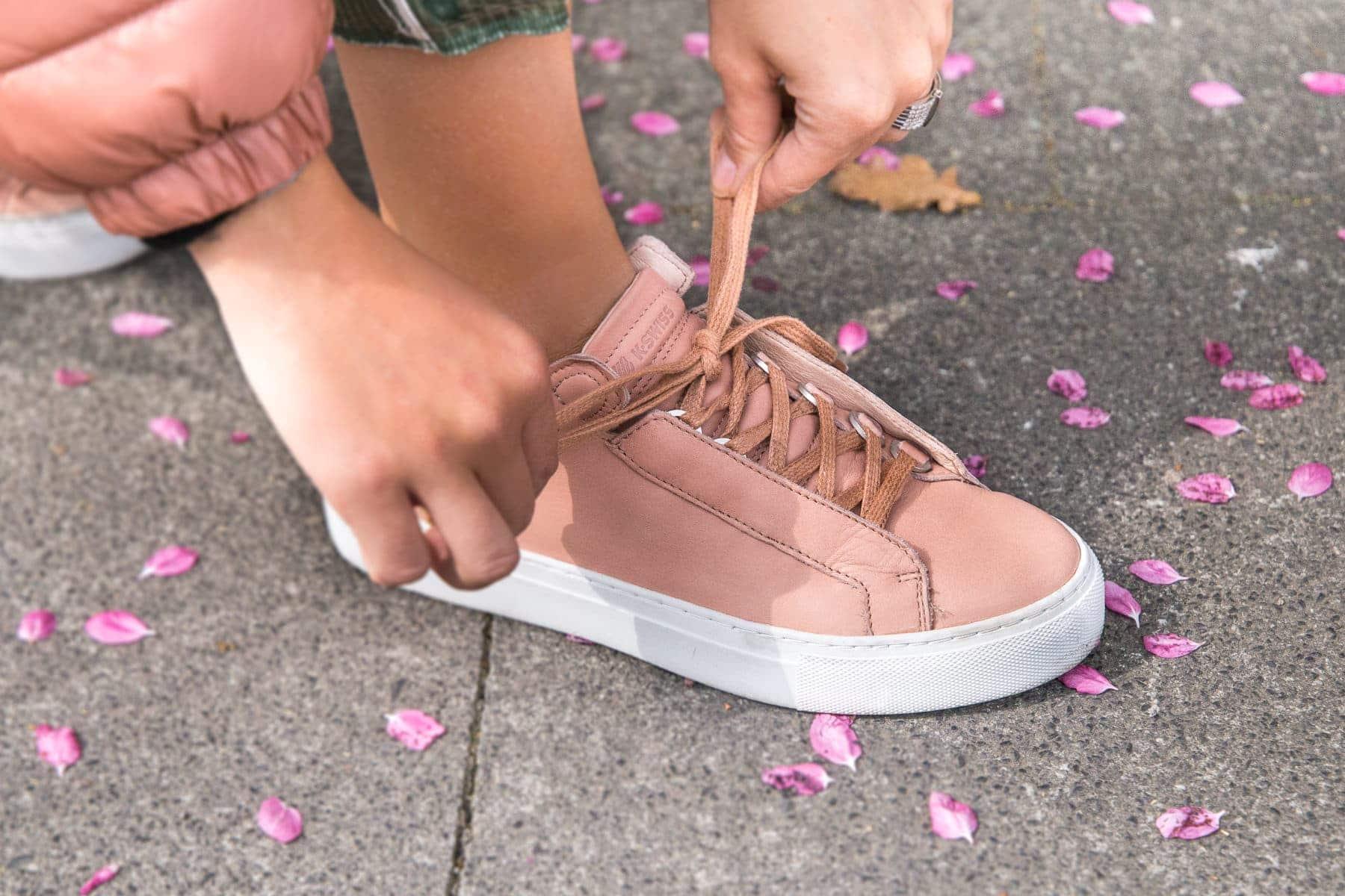 fruehling-in-koeln-kswiss-sneakers-daunenjacke-layering-look-fashion-blog-des-belles-choses-13