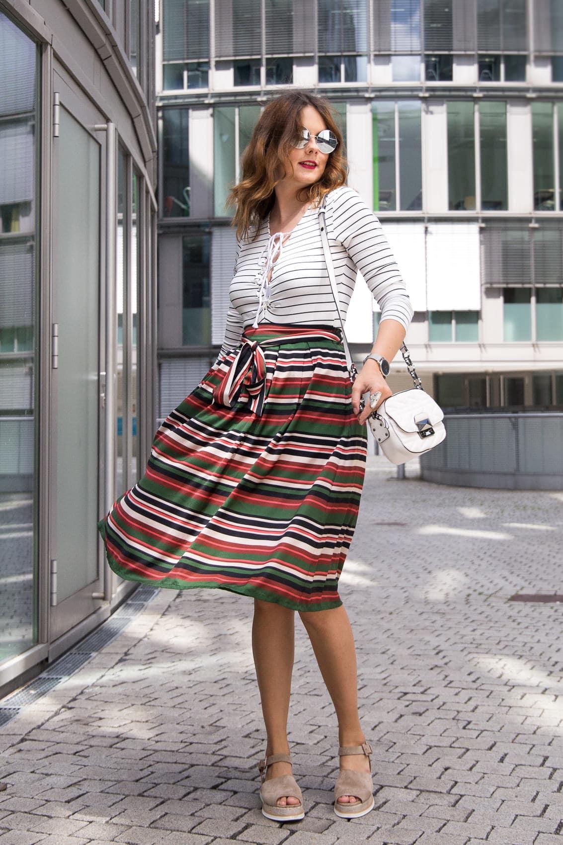 Sommer Lagerfeld Tasche MidirockPlatform Outfit Karl Sandalenamp; l1c5KJFuT3