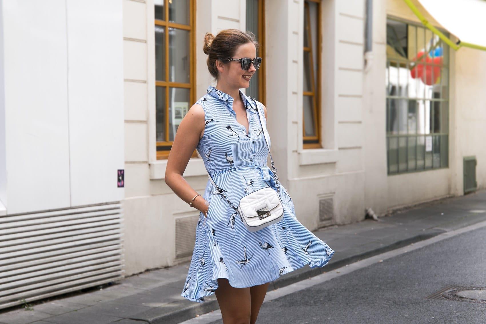So kombinierst du dein Sommerkleid völlig neu, aber alltagstauglich!