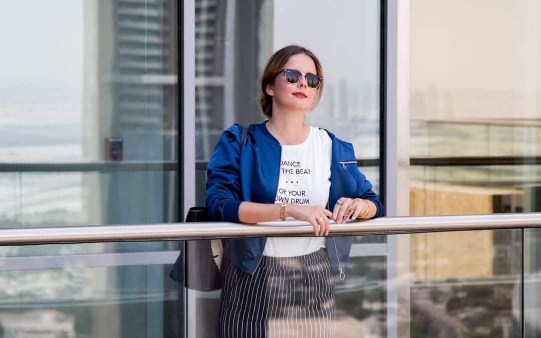 Sightseeing in Dubai – CKS Fashion Bomberjacke & Print-Shirt