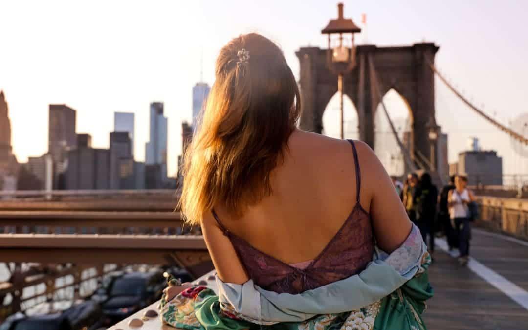New York Fashion Week Streetstyle auf der Brooklyn Bridge