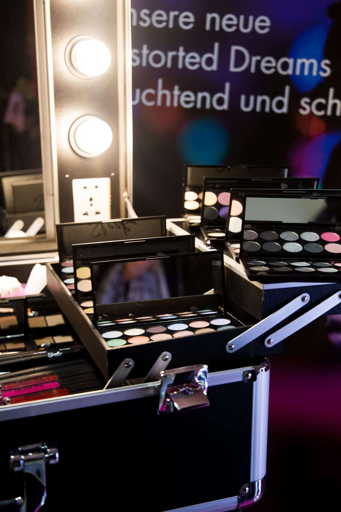 Sleek Distorted Dreams Event in München + alle Swatches