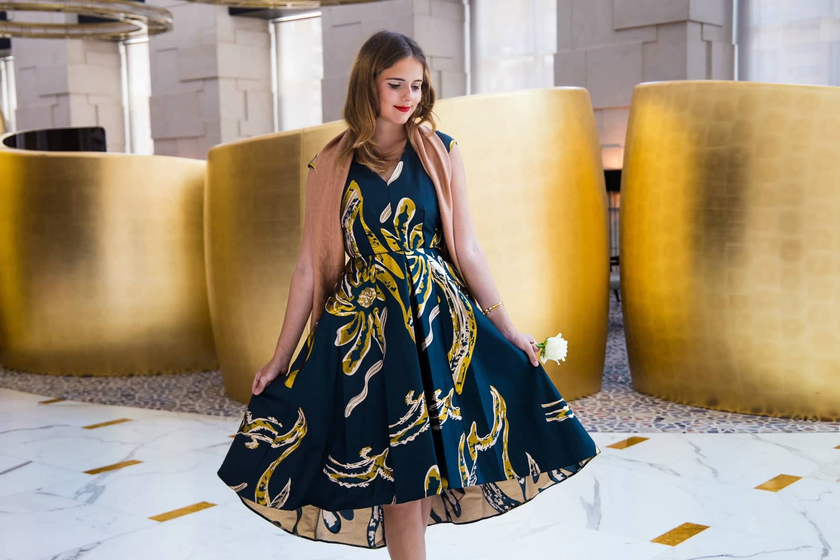 Tausendundeine Nacht in Dubai – Goldenes Abendkleid von Closet London