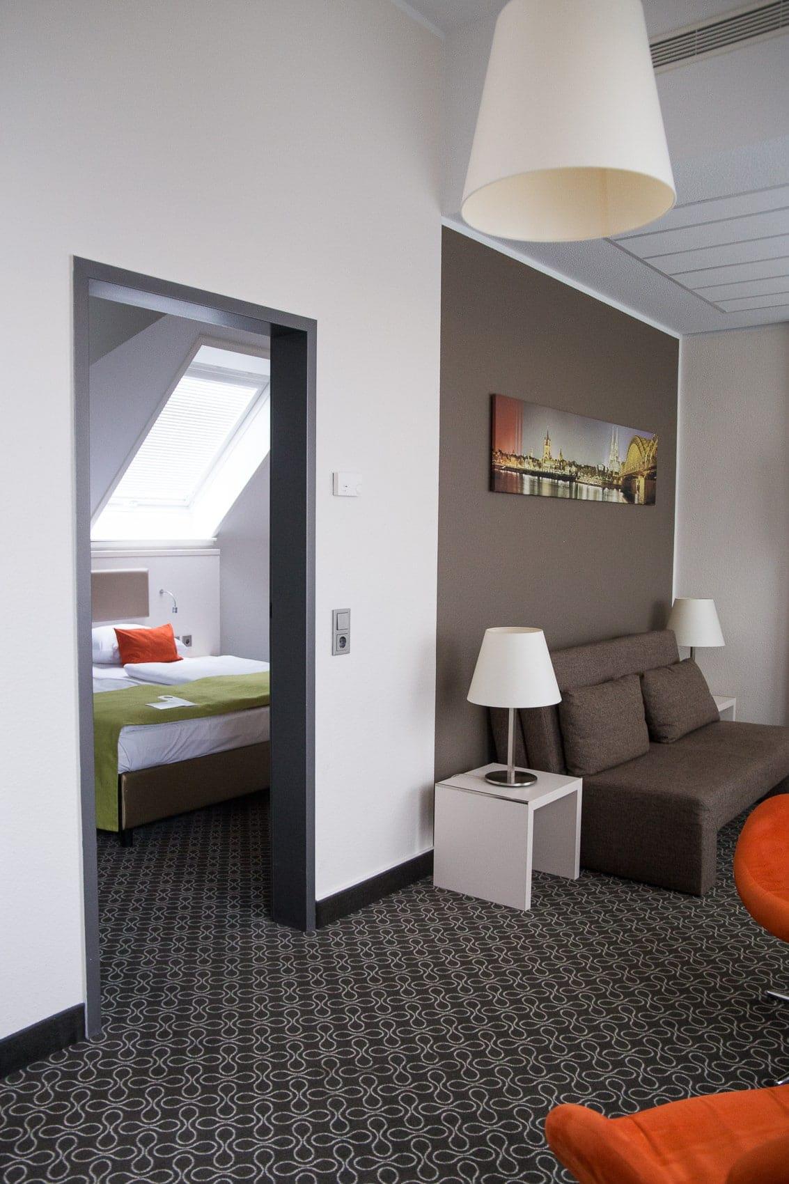 des belles choses adventskalender t rchen 8 2x bernachtungen im mercure hotel. Black Bedroom Furniture Sets. Home Design Ideas