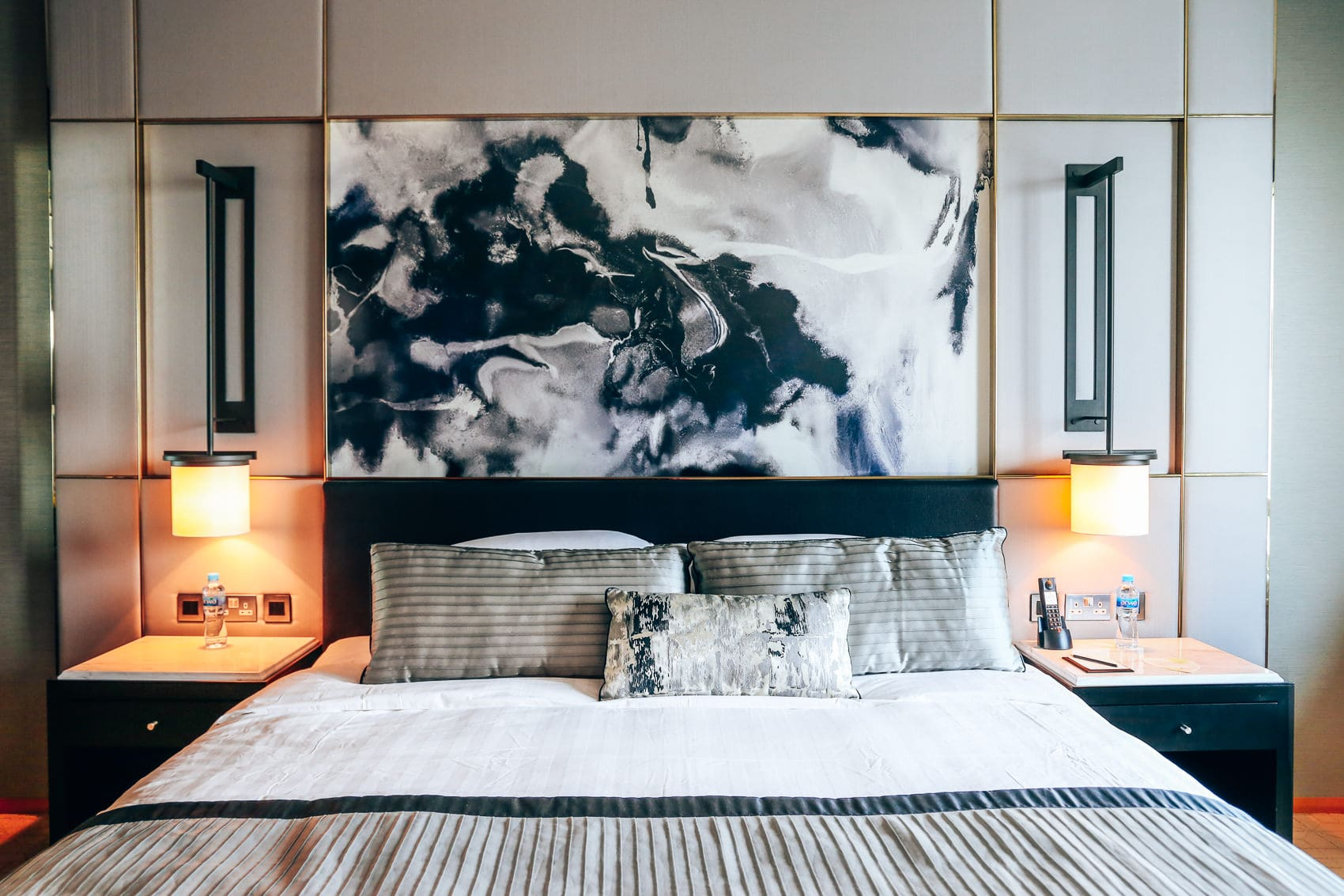 luxushotel-shangri-la-dubai-zimmer-pool-mit-blick-auf-den-burj-khalifa-reiseblog-des-belles-choses 15