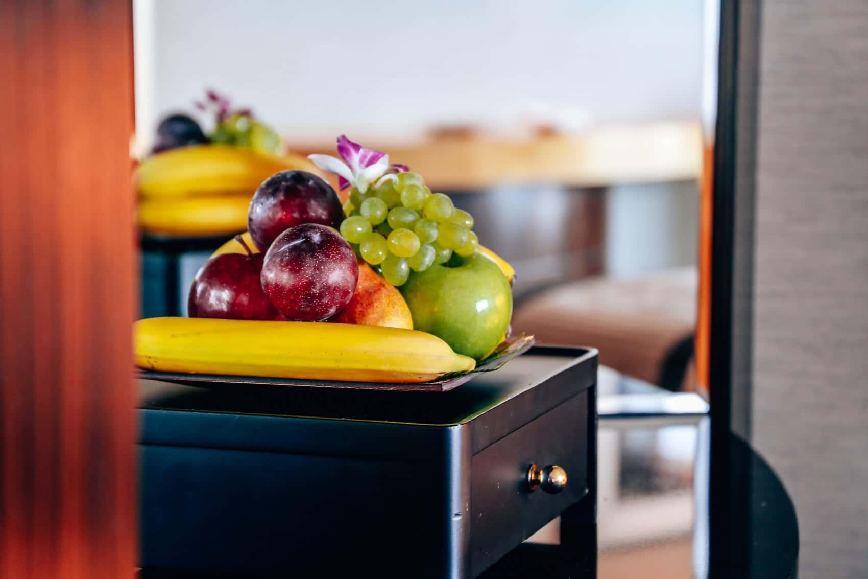 luxushotel-shangri-la-dubai-zimmer-pool-mit-blick-auf-den-burj-khalifa-reiseblog-des-belles-choses 21