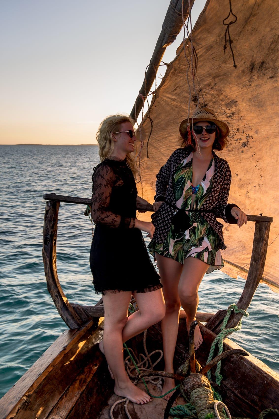 fünf-dinge-die-dich-auf-der-trauminsel-sansibar-überraschen-werden-sunset-cruise-kendwa-beach-reiseblog-des-belles-choses 5